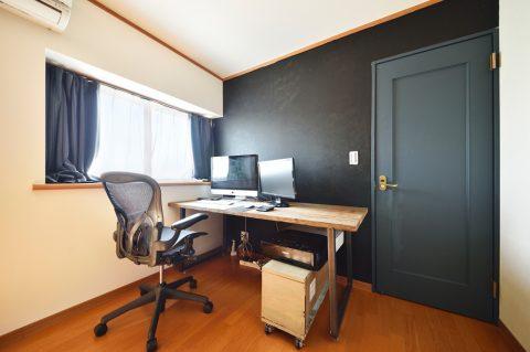 デスク、書斎、DIY、塗装、建具、2階、戸建て、リノベーション