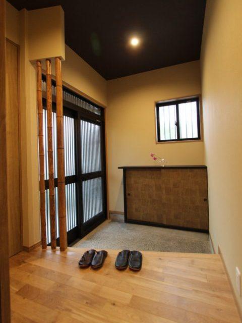 リノベーション、住工房、実家、平屋、和モダン、玄関、下駄箱、リメイク、意匠