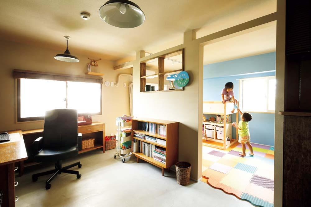 リノまま、リノベーション、団地リノベ、書斎、子供部屋、アクセントクロス、室内窓