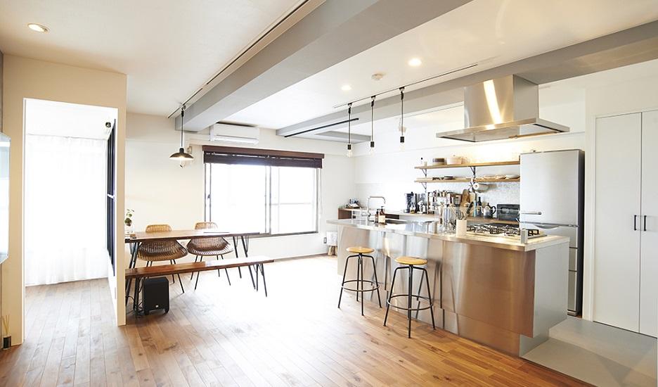 リノベーション、リノまま、アイランドキッチン、ステンレスキッチン、室内窓