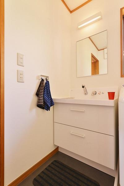 リノベーション、夢工房、洗面台、洗面スペース、LIXIL、スライド収納