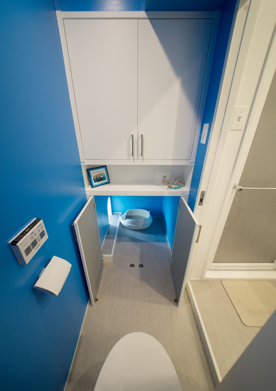 中古マンション、リノベーション、リビングルーム、REDESIGN、地中海風、猫用トイレ、アーチ開口、トイレ、アクセントクロス