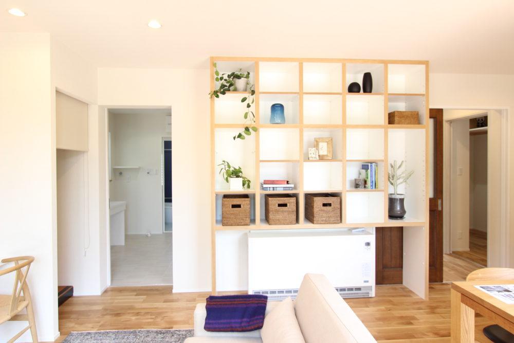 リノベーション、戸建リノベーション、実家リノベーション、住工房株式会社、飾り棚、収納棚、オープン棚、造作、造作棚