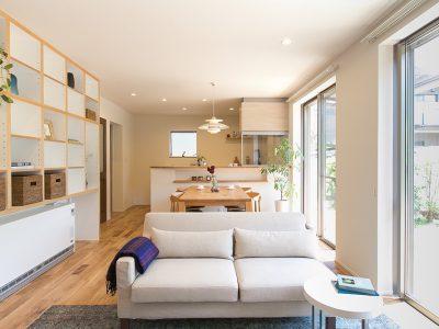 「住工房株式会社」のリノベーション事例「関東から愛知へ…実家リノベで叶えた心地いい風を感じる家」
