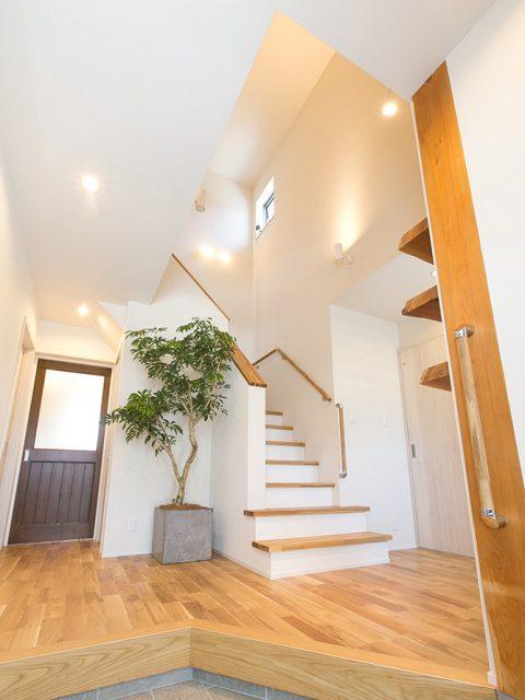 リノベーション、戸建リノベーション、実家リノベーション、住工房株式会社、階段室、風が抜ける家、パッシブデザイン、風通し、高窓