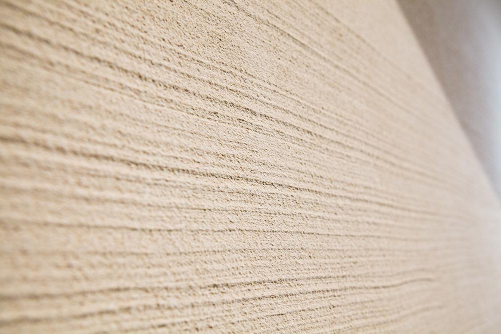 リノベーション、戸建てリノベーション、駿河屋、珪藻土、北海道稚内産珪藻土、刷毛引き仕上げ、刷毛引き、珪藻土含有率80%