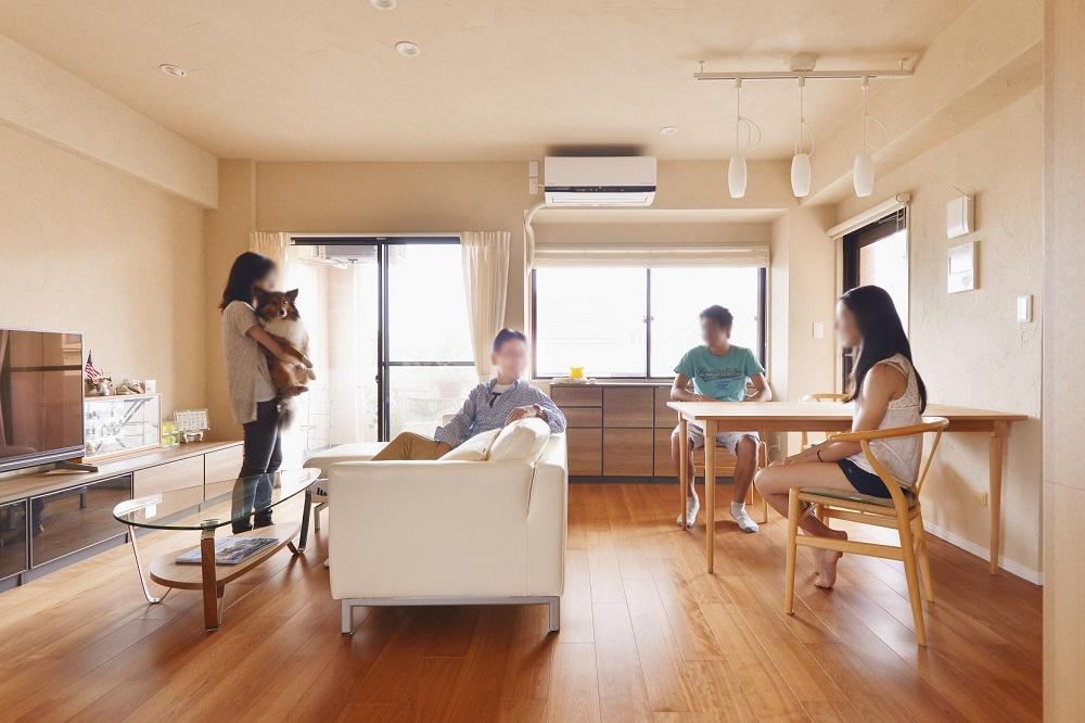 「株式会社 夢工房」のリノベーション事例「家族で過ごす時間を大切に考えて 心地よく風が通る家」