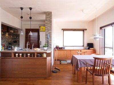 「スタイル工房」のマンションリノベーション事例「遊び心満載のデザインキッチンやシアターリビングで理想の家に」