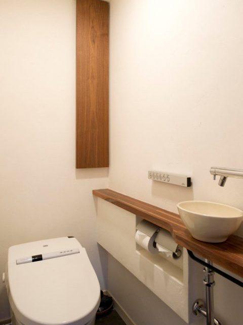 リノベ―ション、スタイル工房、トイレ、タンクレストイレ、手洗いカウンター、ナチュラル、TOTO