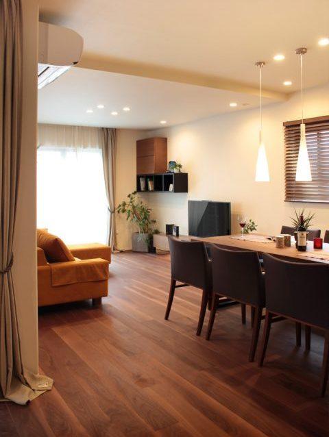 戸建てリノベーション、住工房、リビングダイニング、自然素材、無垢材、シンプル