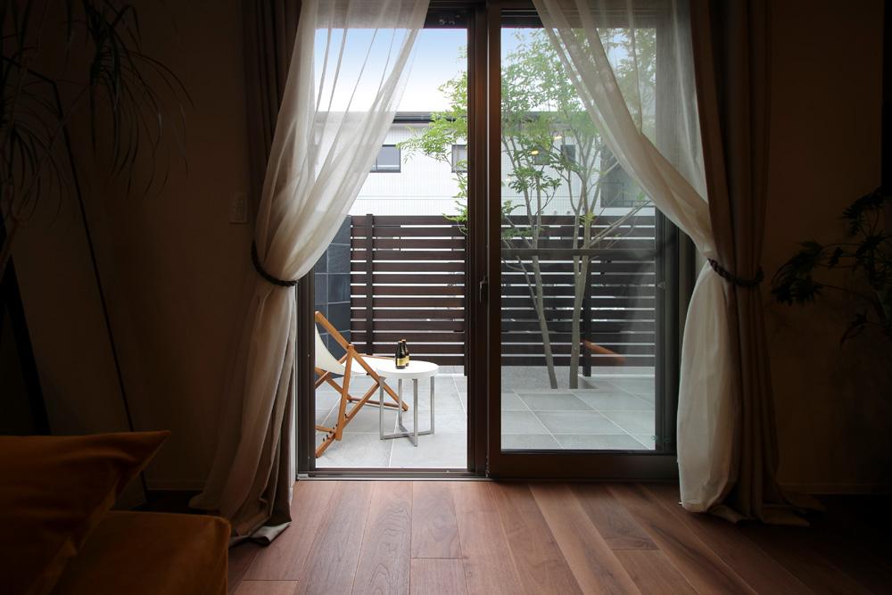戸建てリノベーション、住工房、テラス、自然素材、日当たり