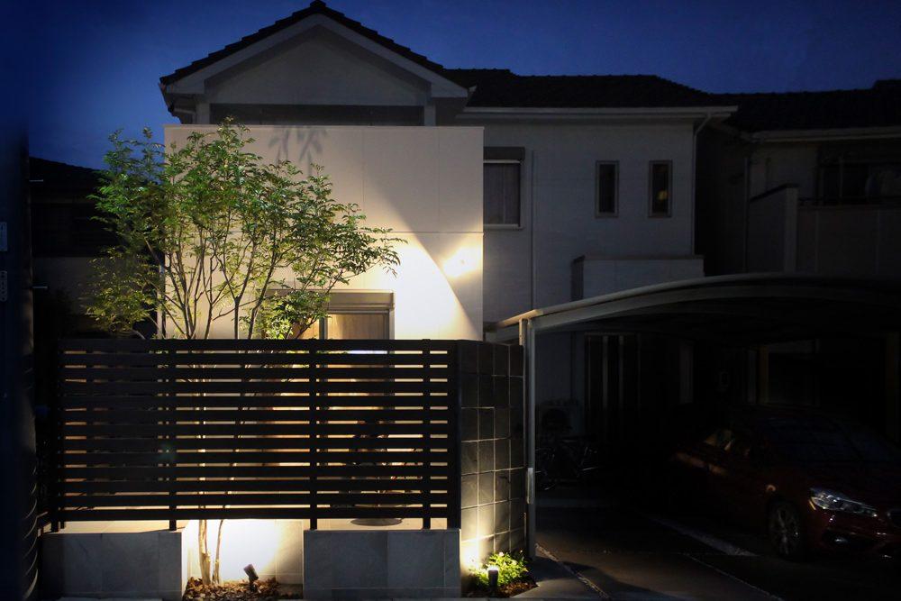 戸建てリノベーション、住工房、ライトアップ、素敵な外観、シンボルツリー