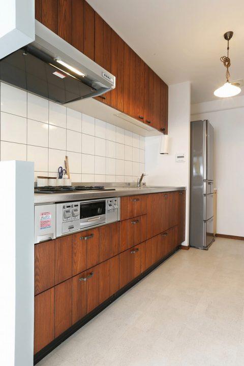 リノベーション、スタイル工房、キッチン、既存を使用、収納棚、タモ材、タイル壁
