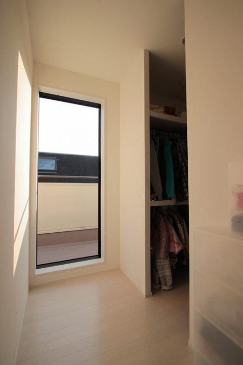 戸建てリノベーション、住工房、ウォークインクローゼット、テラスドア、通気性のよいクローゼット