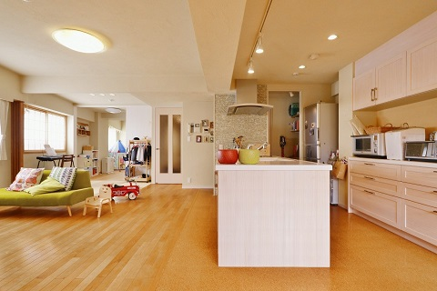 マンションリノベーション、夢工房、オープンキッチン、ナチュラル、木×ホワイト