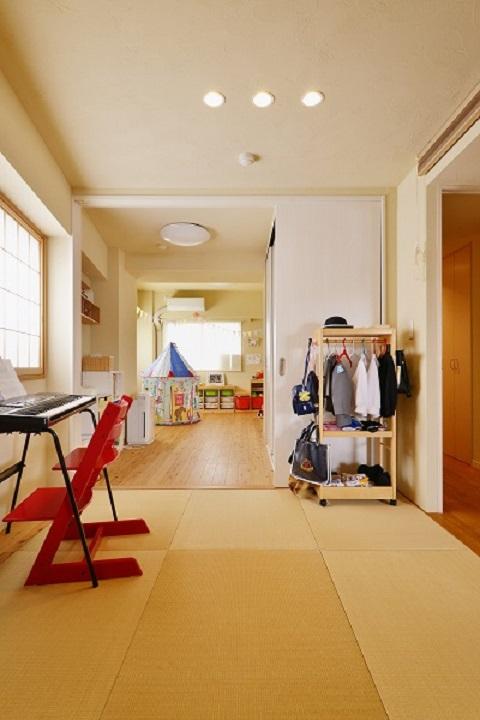 マンションリノベーション、夢工房、リビング和室、縁なし畳、子ども部屋