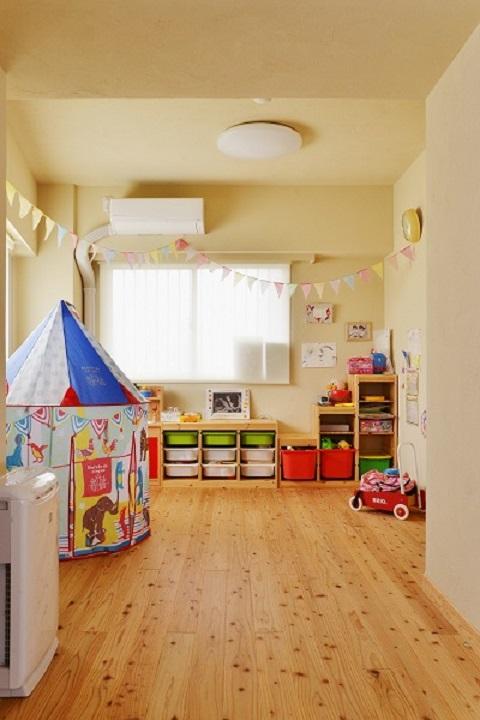 マンションリノベーション、夢工房、杉床、子ども部屋、カラフル