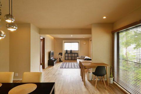 戸建てリノベーション、夢工房、リビング、DJブース、趣味部屋、オーク床、珪藻土、自然素材