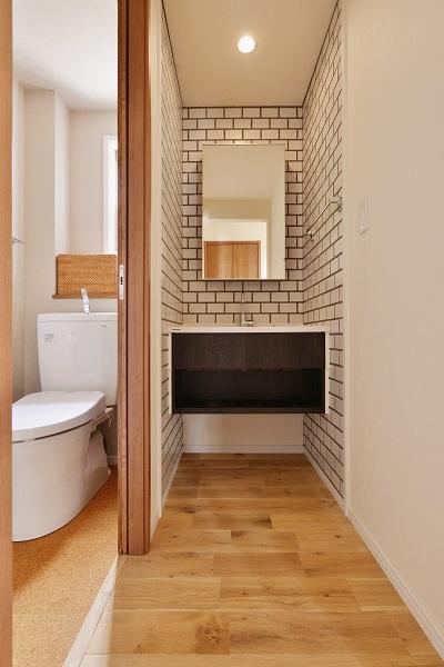 戸建リノベーション、夢工房、洗面室、サニタリースペース、ブリックタイル、洗面台、パナソニック、タイル壁
