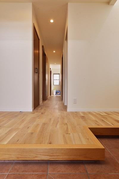 戸建リノベーション、夢工房、廊下、オーク床、珪藻土、回遊動線、自然素材
