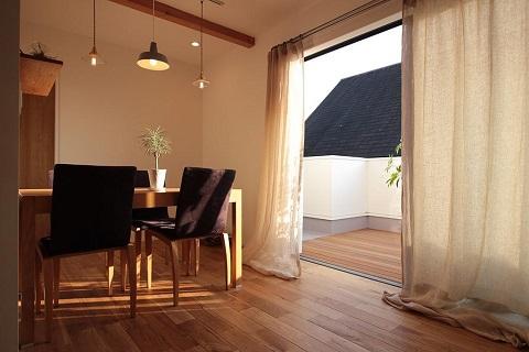 戸建てリノベーション、住工房、北欧インテリア、リネン、オーク無垢材