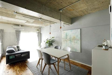 マンションリノベーション、インテリックス空間設計、北欧、アートを飾る、グレー壁