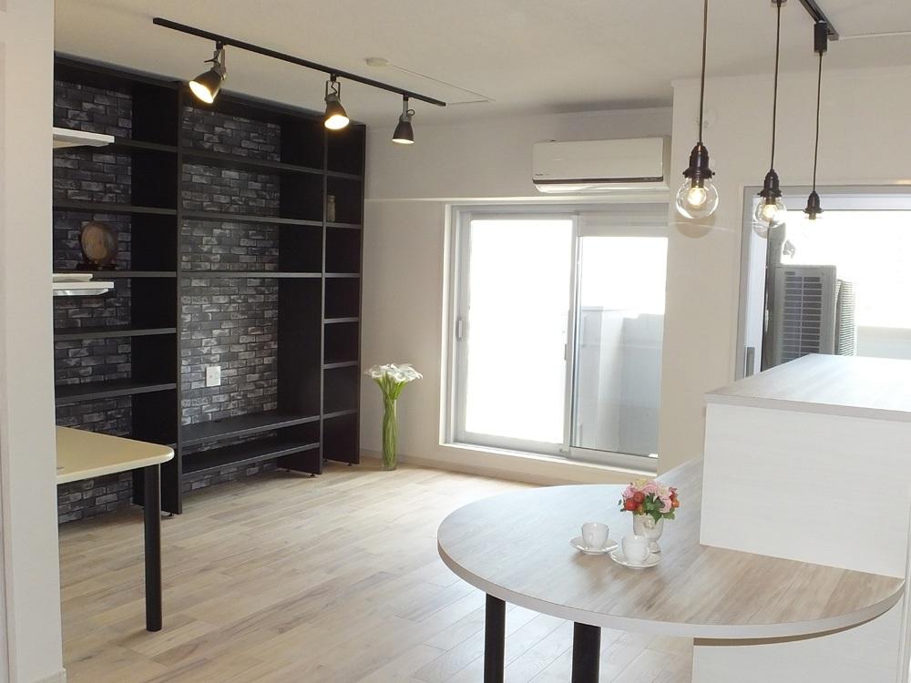 マンションリノベーション、リノベーション東京、壁面収納、オープン収納、造作ダイニングテーブル