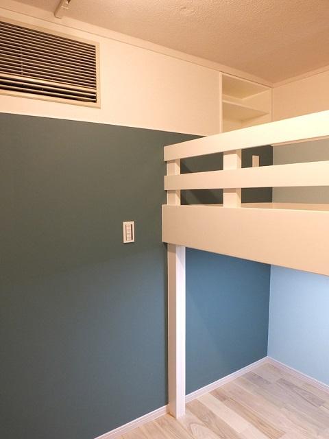 マンションリノベーション、リノベーション東京、子ども部屋、黒板壁、ロフトベッド