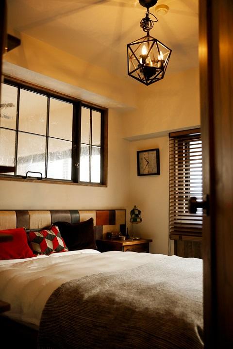 マンションリノベーション、三井のリフォーム、カラフル、室内窓、おしゃれベッドルーム