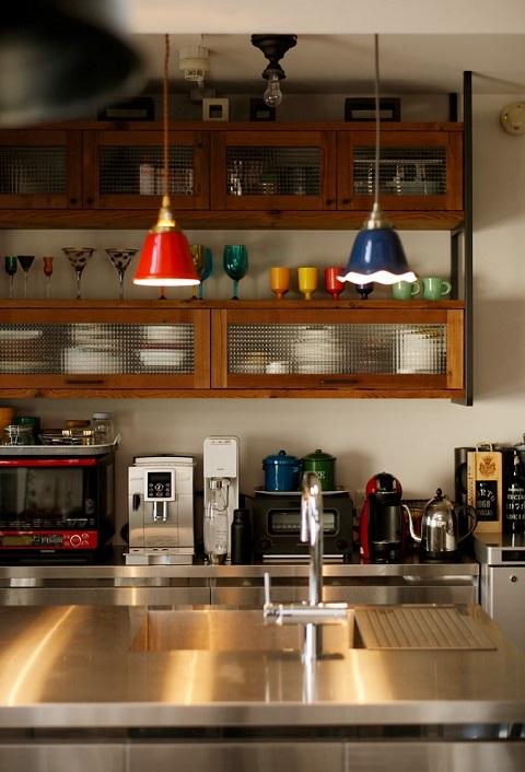マンションリノベーション、三井のリフォーム、ステンレスキッチン、カラフル、見せる収納