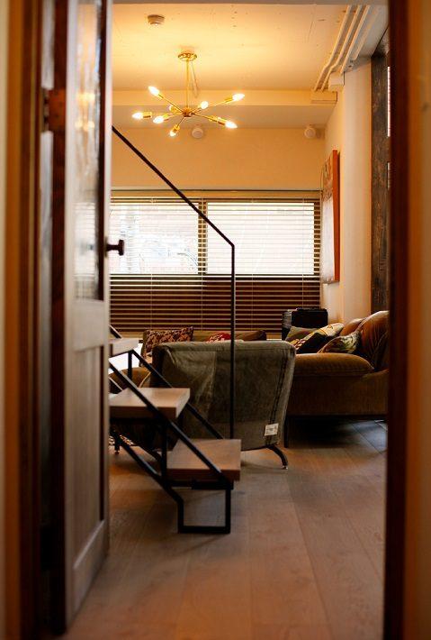 マンションリノベーション、三井のリフォーム、メゾネット、螺旋階段、オーク床