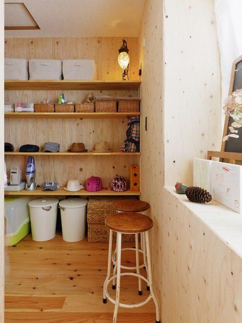 戸建てリノベーション、夢工房、収納スペース、木質系壁、オープン棚