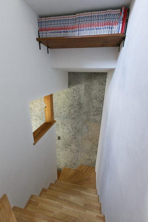 戸建てリノベ、スタイル工房、リノベーション、階段上、収納、デッドスペースを有効活用、開口部