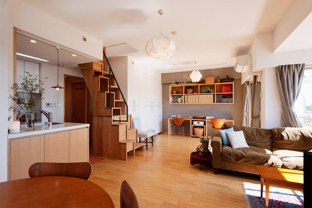 「スタイル工房」のリノベーション事例「こだわりの家具や内装が光る理想の家で、家族との楽しい時間を」