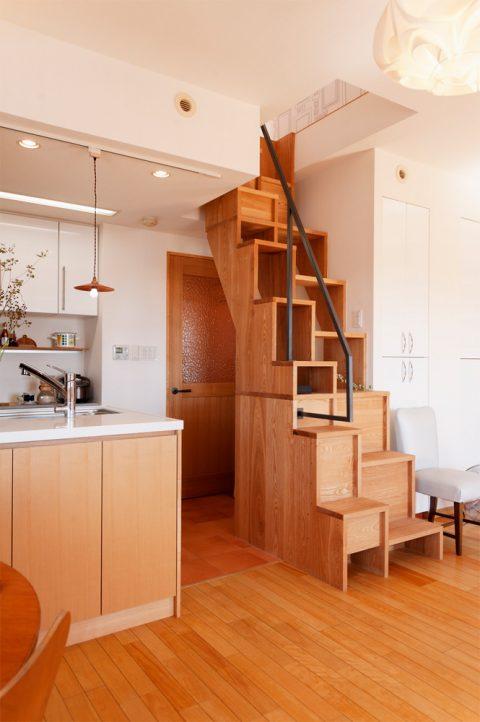 リノベーション、スタイル工房、メゾネット、リビング、床暖房、階段、入れ違い階段、アッシュフリー板
