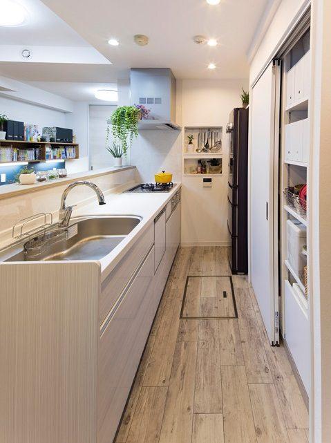 マンションリノベーション、たすかけ、腰壁キッチン、背面収納、天井までの収納