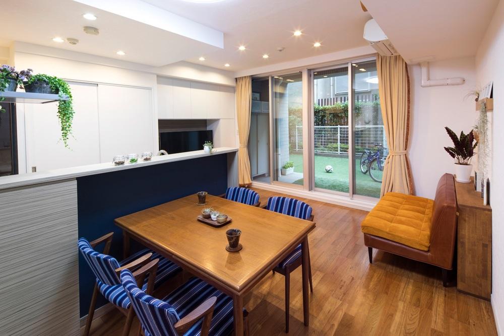 マンションリノベーション、たすかけ、北欧家具、白い収納、対面キッチン