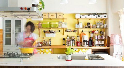 マンションリノベーション、インテリックス、対面キッチン、アクセントクロス、見せる収納