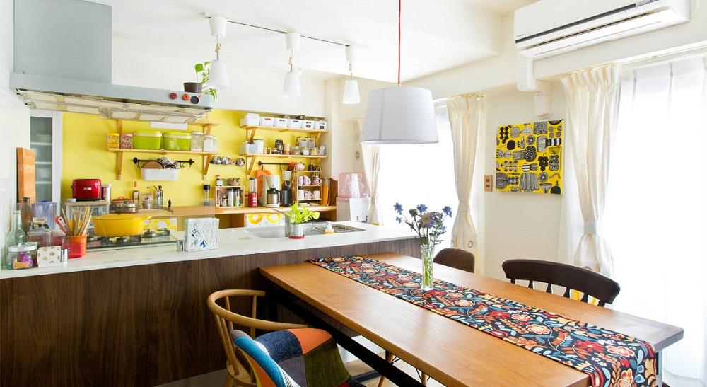 マンションリノベーション、インテリックス、オープンキッチン、イエロー壁キッチン、北欧
