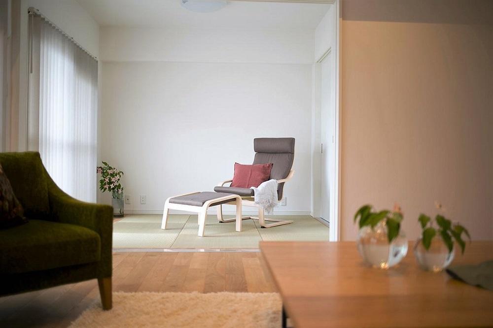 マンションリノベーション、住工房、縁なし畳、リビング和室、シンプル和室