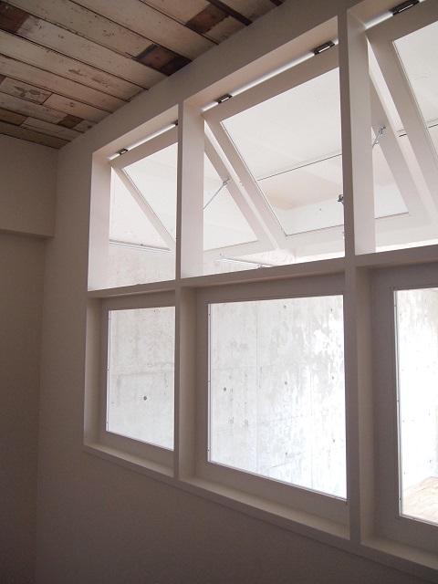 マンションリノベーション、錬、室内窓、白い窓枠、横すべり窓