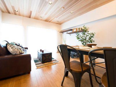 「リノデュース」のマンションリノベーション事例「シーサイドカフェ風を楽しむ、陽光を織り込んだマンションリノベーション」