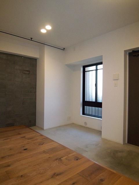 マンションリノベーション、錬、玄関土間、広い玄関、窓在り玄関