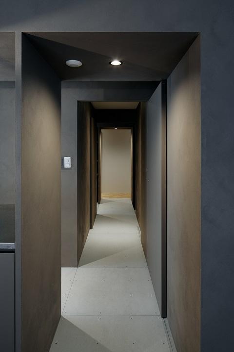 団地リノベーション、デザインライフ設計室、モダン廊下、廊下奥行き、抜け感廊下
