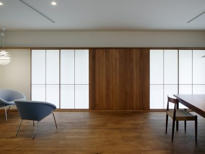 「青木律典 | 株式会社デザインライフ設計室」のリノベーション事例「築33年の団地をリノベ。北欧ヴィンテージが暮らしに溶け込む住まい。」