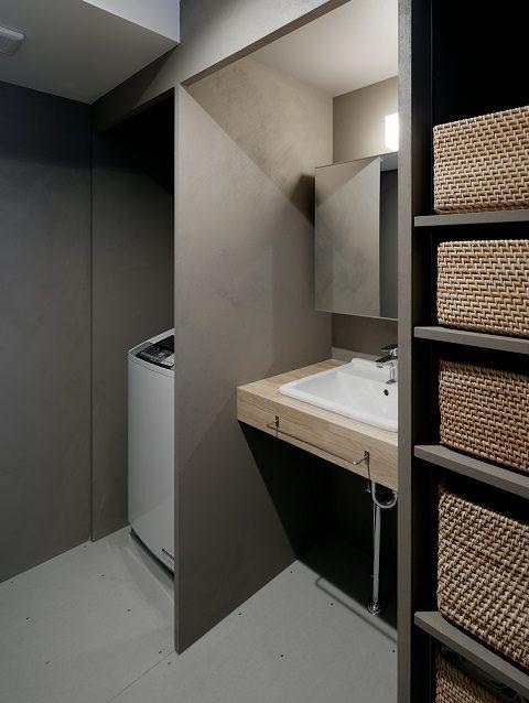 団地リノベーション、デザインライフ設計室、モダン洗面室、グレー洗面室、洗面カゴ収納