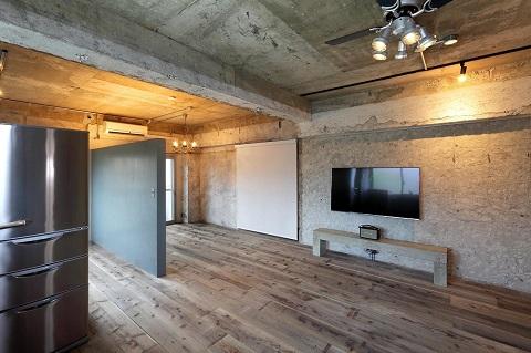 マンションリノベーション、株式会社水雅、コンクリート現し、むき出し梁、コンクリート収納