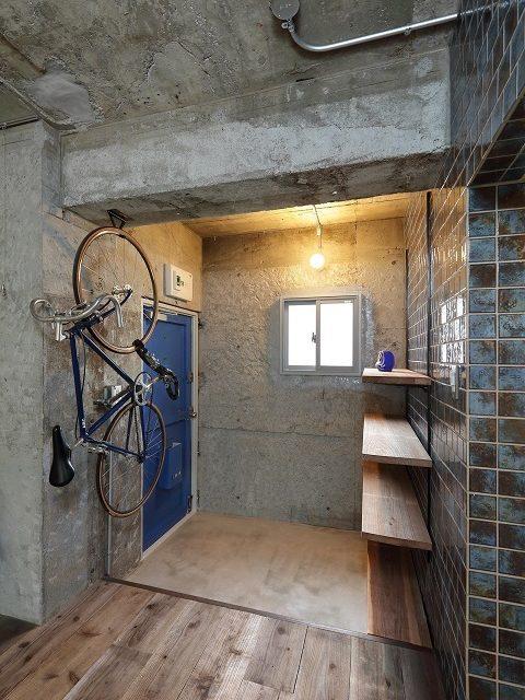 マンションリノベーション、株式会社水雅、狭い玄関、自転車収納、オープン靴入れ