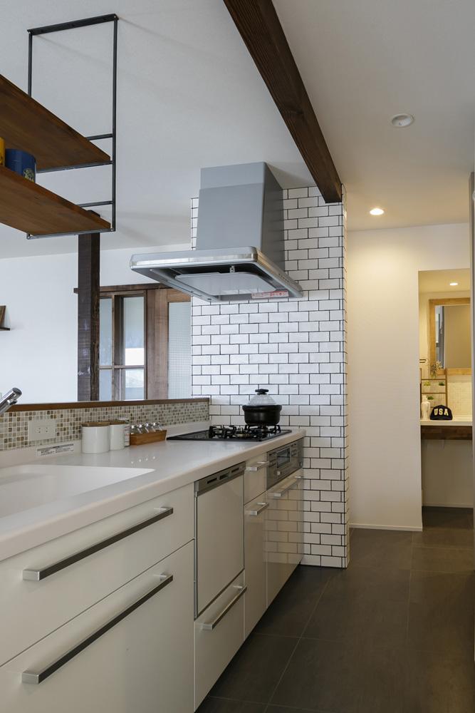 スタイル工房、戸建リノベ、対面キッチン、キッチンカウンター、TOTO、家事ラク動線、サブウェイタイル