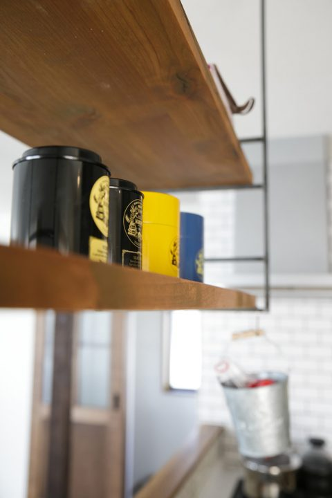 スタイル工房、戸建リノベ、キッチン収納、見せる収納、施主支給、吊り棚